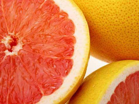 Il pompelmo fa davvero dimagrire? O meglio un'arancia nostrana?