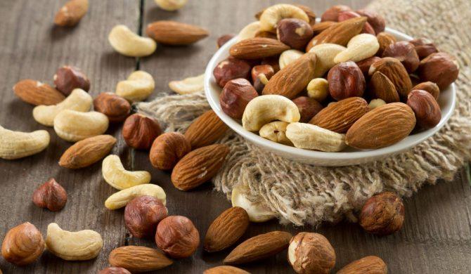 Quanta frutta secca a guscio mangiare?