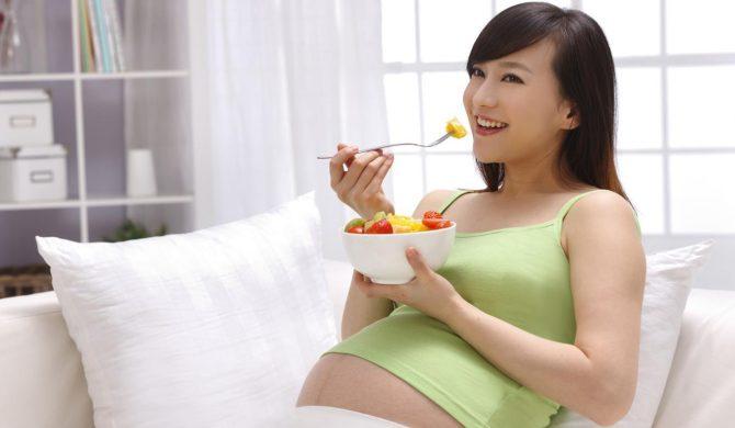 Cibi da evitare o ridurre in gravidanza