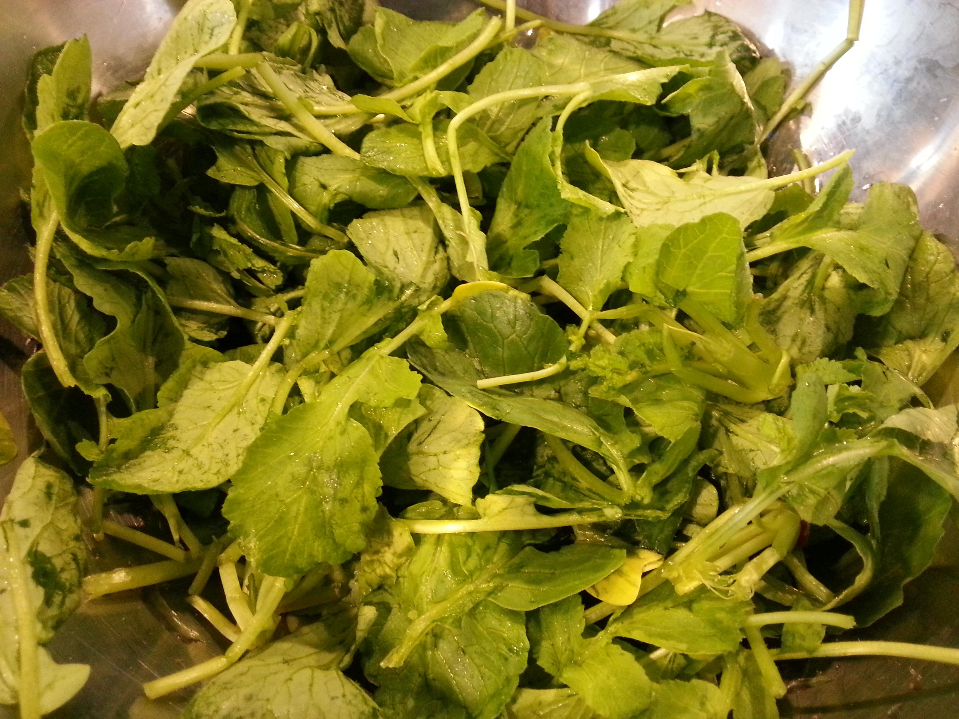 Le foglie di ravanello: come cucinarle