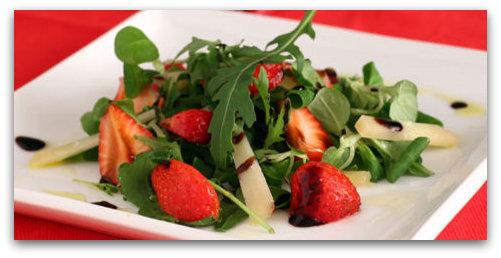 insalata di fragole e aceto balsamico