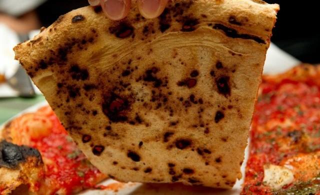 Pizza cancerogena: tra allarmismo e mezze verità