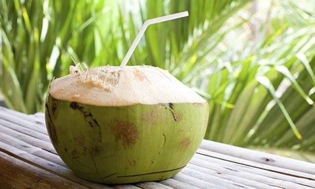 L' acqua di cocco e i suoi benefici