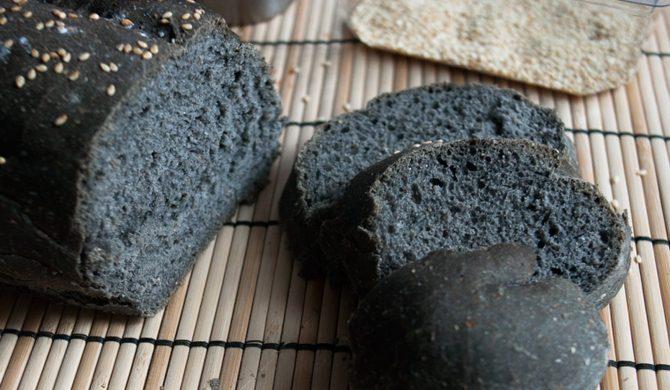 Il pane al carbone vegetale fa davvero digerire?